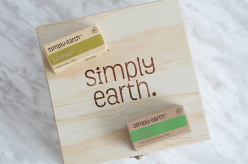 Simply Earth Essential Oil Subscription Box Review!