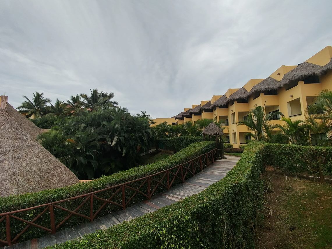 Grand Palladium Vallarta Review - An Air Canada Vacation to Puerto Vallarta Mexico, an all-inclusive trip with kids - full review!